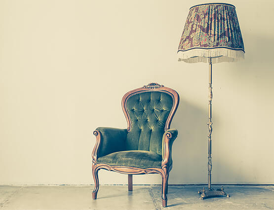 Alt und Neu Mix Antike Möbel