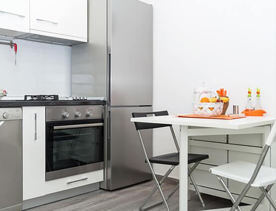 Kleine Wohnung ganz Groß Küche mit Tisch
