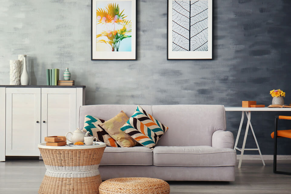 Richtig schönes Wohnen Sofa mit bunten Kissen