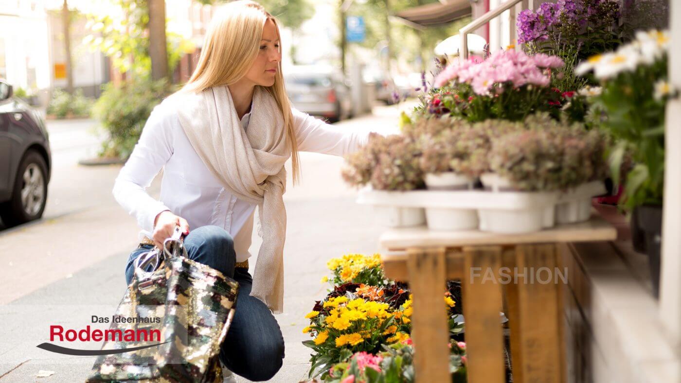 Herbstmode Jeans und Schal