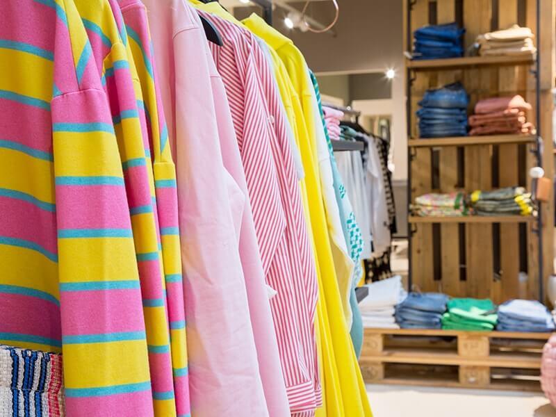 bunte Kleidung neue Fashion Kollektion bei Rodemann