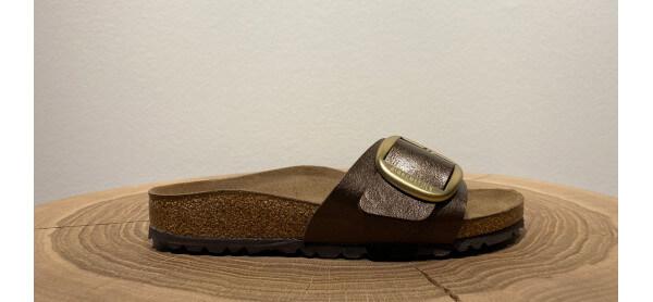 Goldene Sandale von Birkenstock